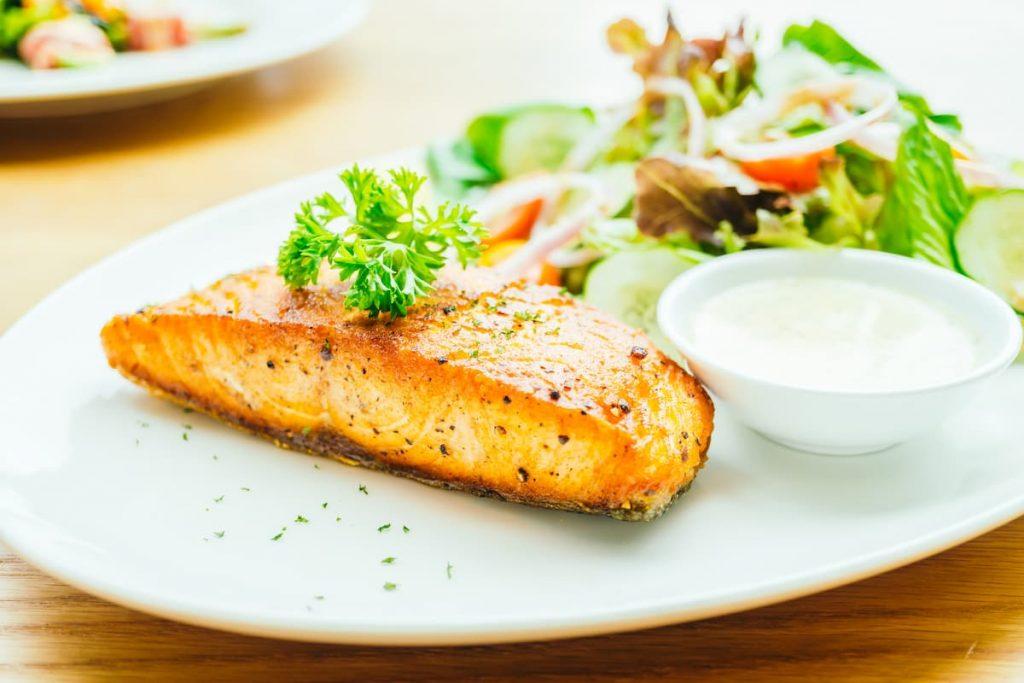 salmão na airfryer